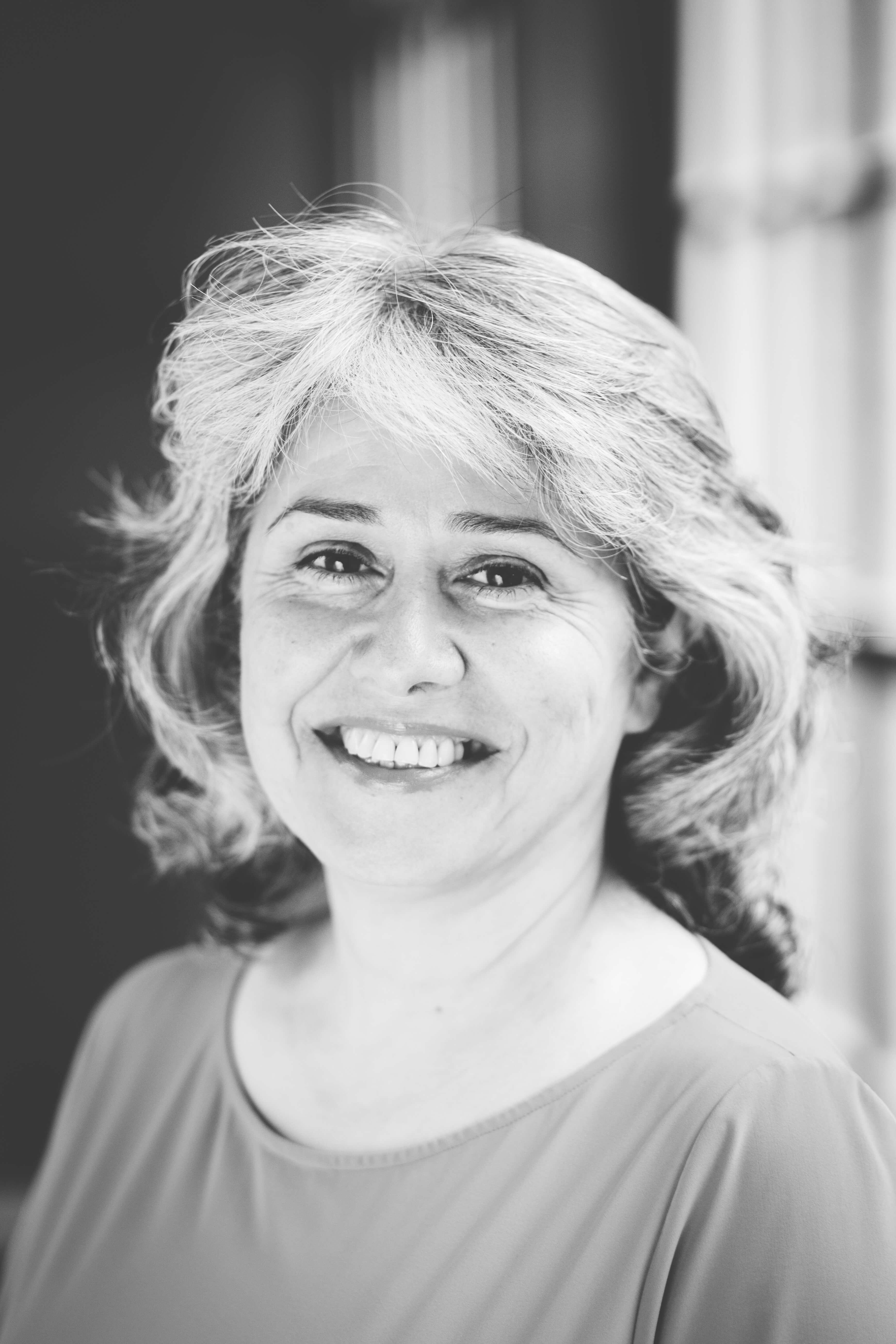 Haardvuurgesprek met alumna Mardjan Seighali